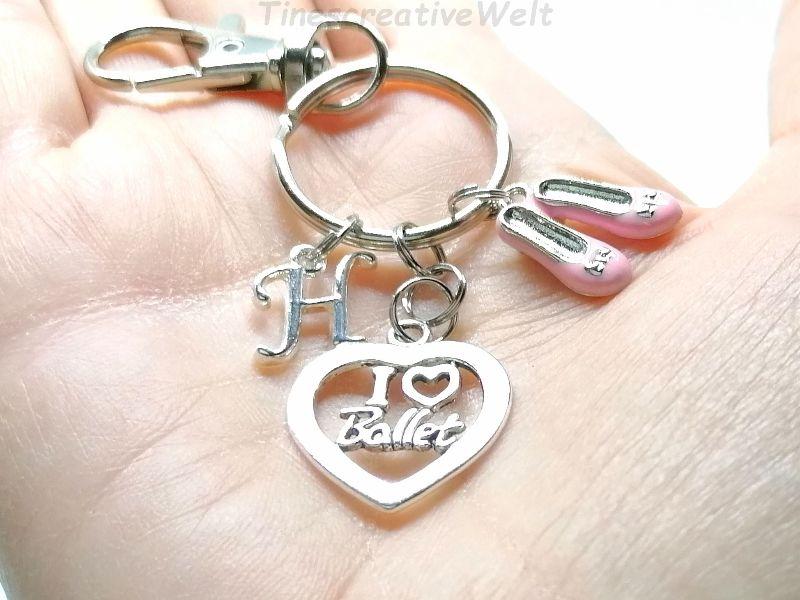 Kleinesbild - Personalisierter Schlüsselanhänger, Ballett, rosa Schuhe, Ballerina, Tanzen, Glücksbringer, Karabinerhaken mit Wirbel, Geschen