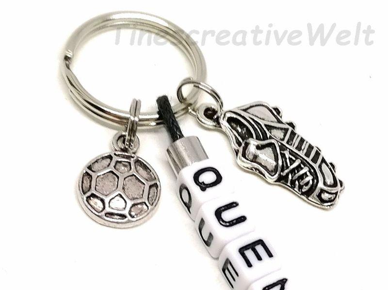 Kleinesbild - Personalisierter Schlüsselanhänger, Fußball, Ball, Fußballschuh, Buchstabenperlen, Geschenk für Jungen, Geschenk für Männer