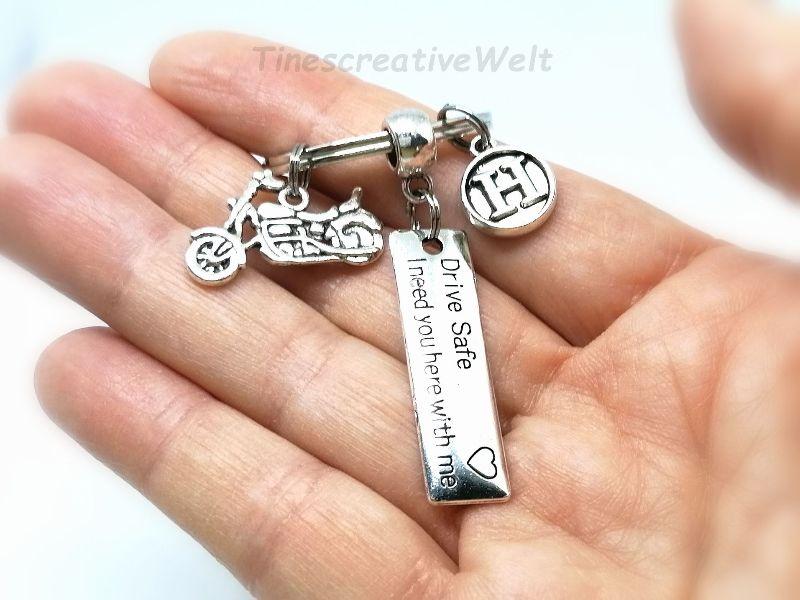 Kleinesbild - Personalisierter Schlüsselanhänger Drive Safe, Motorrad, Schutzengel, Fahr vorsichtig, Glücksbringer, Motorradreise, Geschenk Mann und Frau