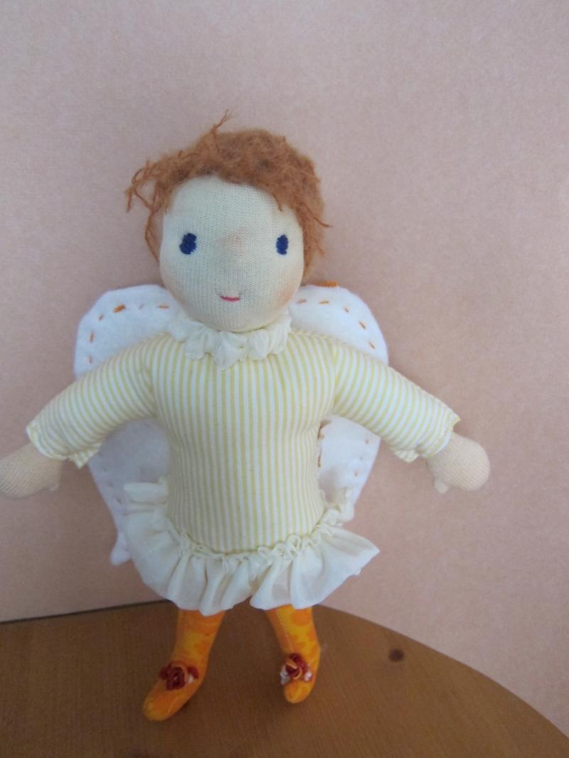 Kleinesbild - Schutzengel Puppe, Engelchen, Julia Engel Puppe, Schutzengel puppe, 25cm, Geflügeltes Wesen, Waldorf Inspiriert,