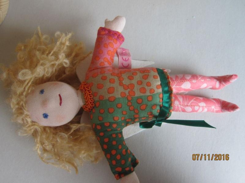 Kleinesbild - Schutzengel Puppe, Engelchen, Sternenglanz Engel Puppe, Schutzengel puppe, 25cm, Geflügeltes Wesen, Waldorf Inspiriert, Künstler Puppe, (Kopie id: 100105547)