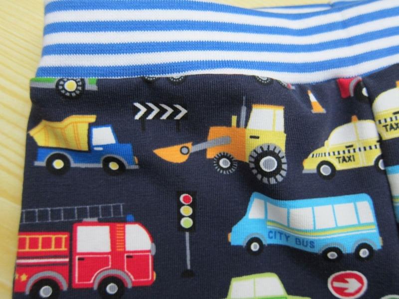 Kleinesbild - Marine Öko-Pumphose,Mütze und Wendehalstuch Set für Babies, mit Fahrzeug, Handgemacht,  Size 80,