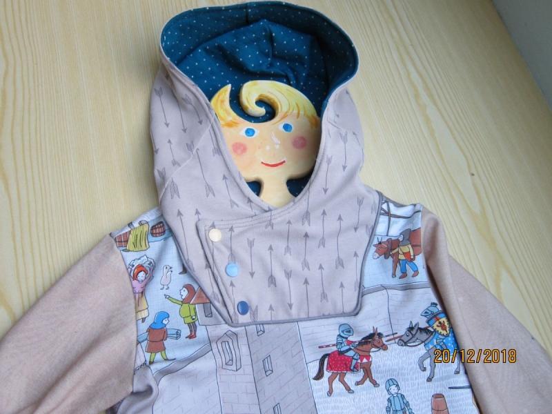 Kleinesbild - Ritter Welt Hoody Sweatshirt Jacke in Öko Baumwolle  Größe 116  Schlupf Hoodie Ritterburg, Minnesänger  und co.