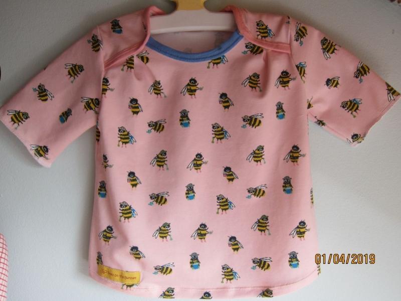 Kleinesbild - Jersey T-shirt kurzarm weiß Bio Jersey Bienen Groeße 80 Ostern Frühling Busy-as-a-Bee