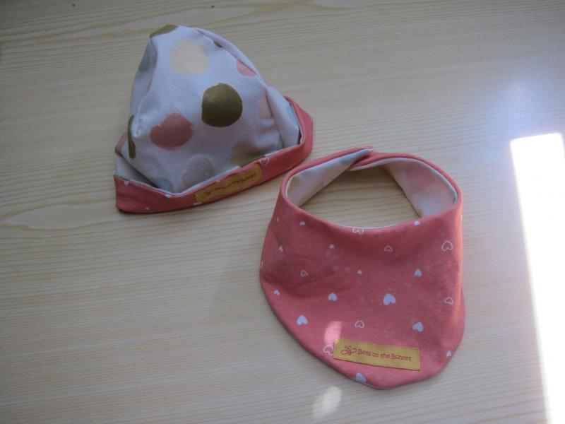 Kleinesbild - Mütze und  Schal, Glitzer Punkte Schal mit rosa jersey Futter, Öko Kinder Schal pastell