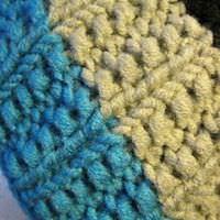 Kleinesbild - 3 farbige Mütze/Haube