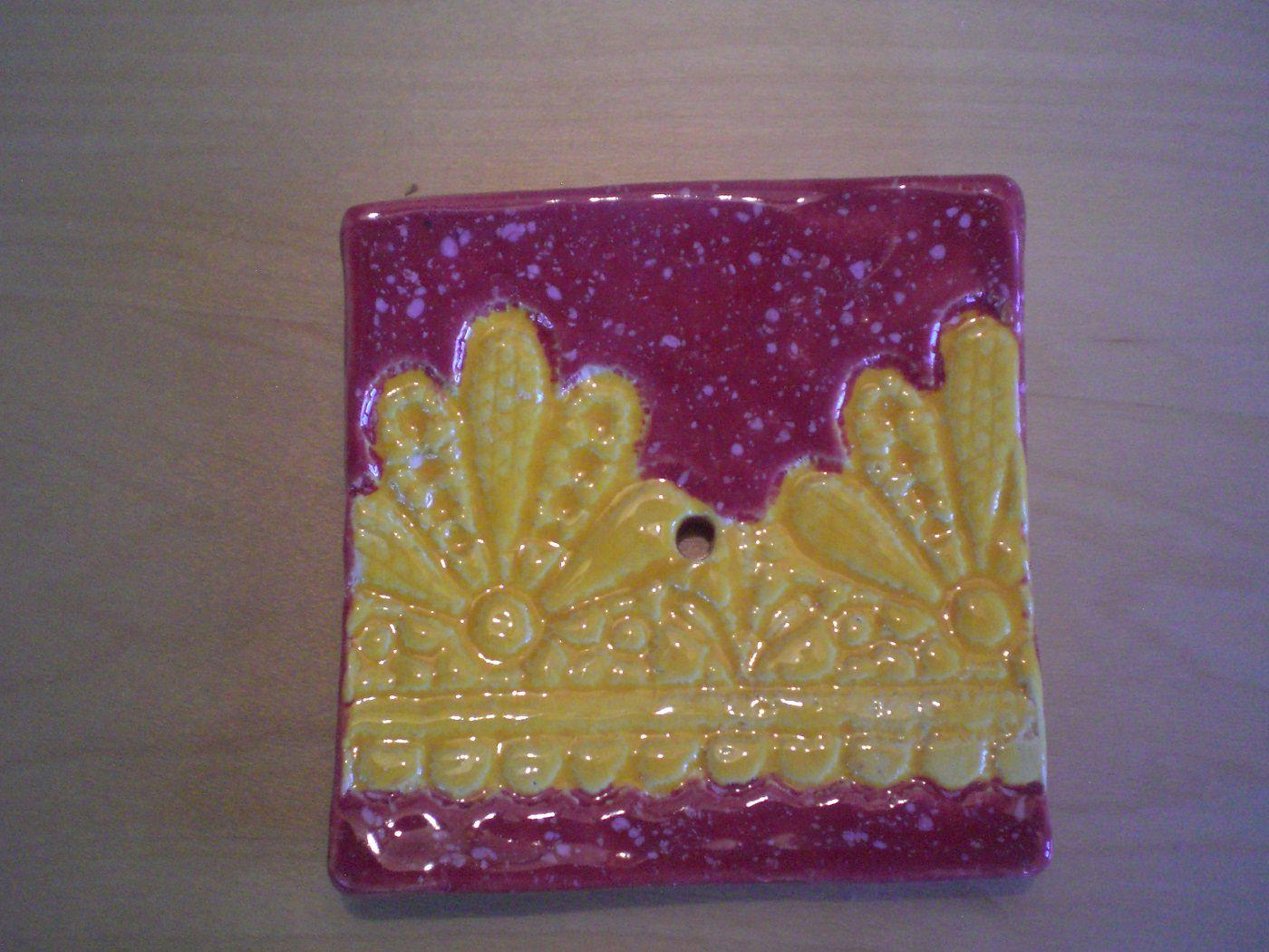 - Handgetöpferte Seifenschale rot gelb - Handgetöpferte Seifenschale rot gelb
