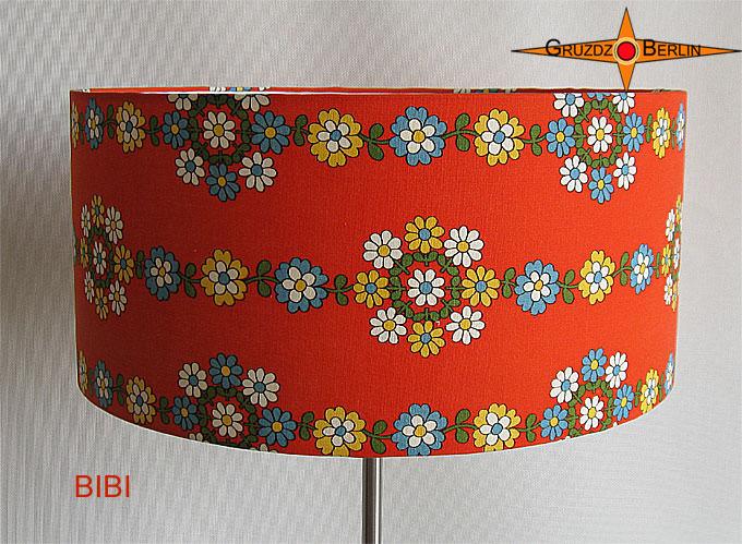 Kleinesbild - Stehlampe im Vintage Design BIBI mit Prilblumen