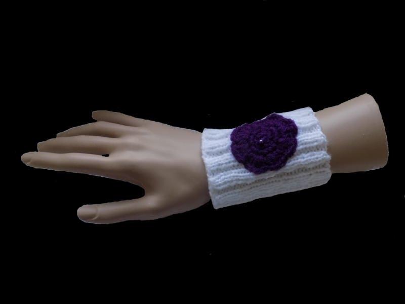 - Handgestrickte weiße Pulswärmer aus Polyacryl - Handgestrickte weiße Pulswärmer aus Polyacryl