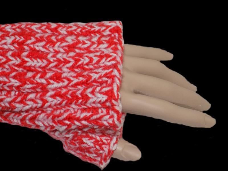 Kleinesbild - Handgemachte Armstulpen in Orange und Weiß aus Polyacryl