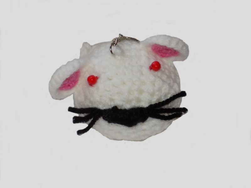 - Handgemachte Maus als Schlüsselanhänger in Weiß - Handgemachte Maus als Schlüsselanhänger in Weiß