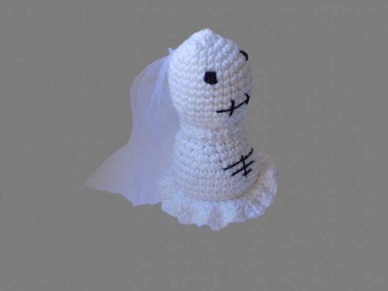 Kleinesbild - Handgemachtes Brautpaar aus  Baumwolle in Schwarz und Weiß