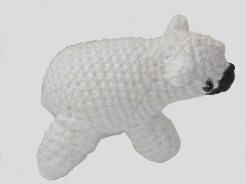 Kleinesbild - Handgemachter Eisbär in Polyacryl