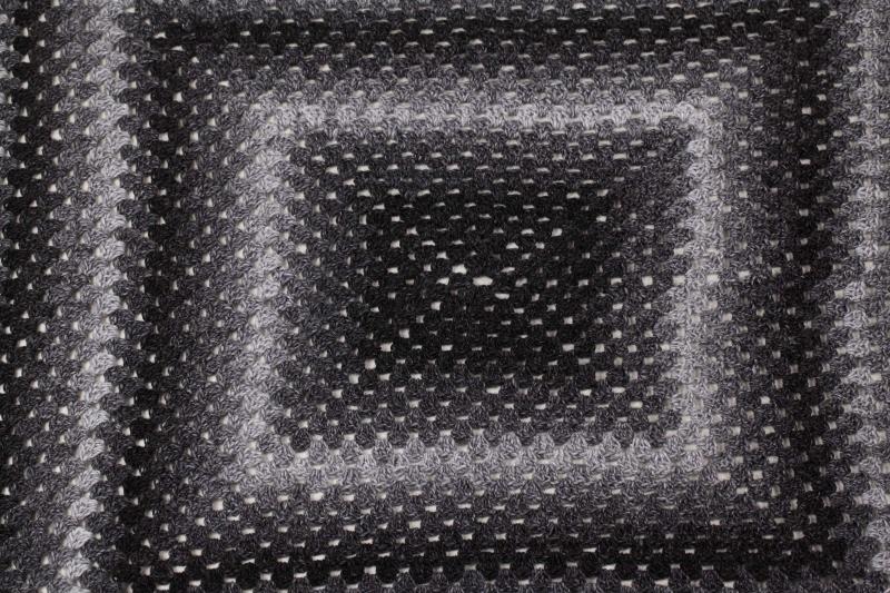 Kleinesbild - Häkeldecke Decke Plaid Wohndecke im Granny Square Muster