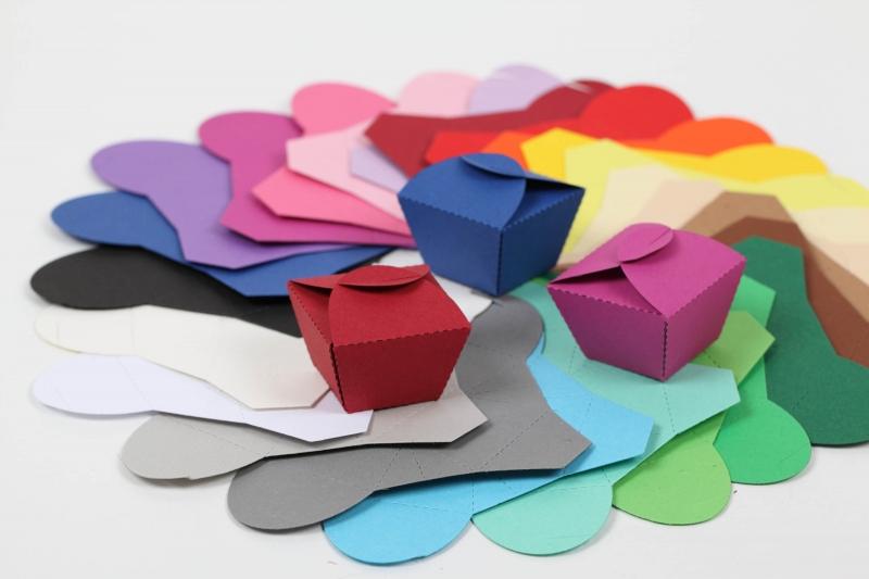Kleinesbild - 24 Pralinenschachteln aus Tonkarton Farbe frei wählbar