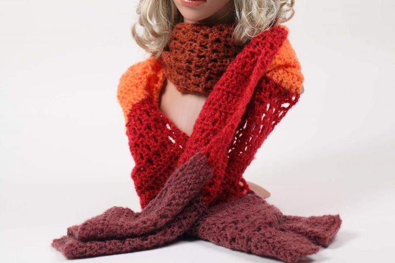 Kleinesbild - XL Stola gehäkelt federleicht und wärmend: flauschige Wolle mit Mohair-Anteil Schultertuch, Häkelschal