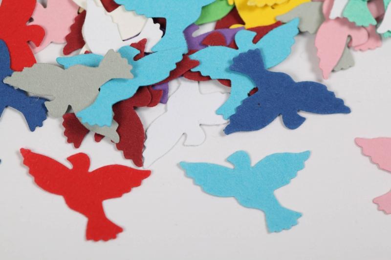 Kleinesbild - 300 mini Tauben als Streudeko, Tischdeko , Konfetti, Stanzteile zur Kartengestaltung