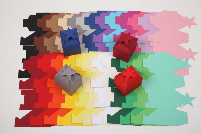 Kleinesbild - 10 gestanzte Rohlinge zum Basteln von 10 Sternenboxen Schachteln Farbe frei wählbar (ungeklebt) perfekt zum basteln von Adventskalendern