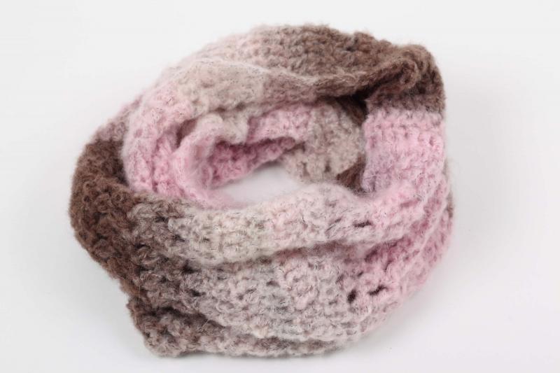-  Häkelloop aus flauschiger Wolle mit Mohair- perfekt für die kalten Tage gehäkelt im Fantasiemuster  -  Häkelloop aus flauschiger Wolle mit Mohair- perfekt für die kalten Tage gehäkelt im Fantasiemuster