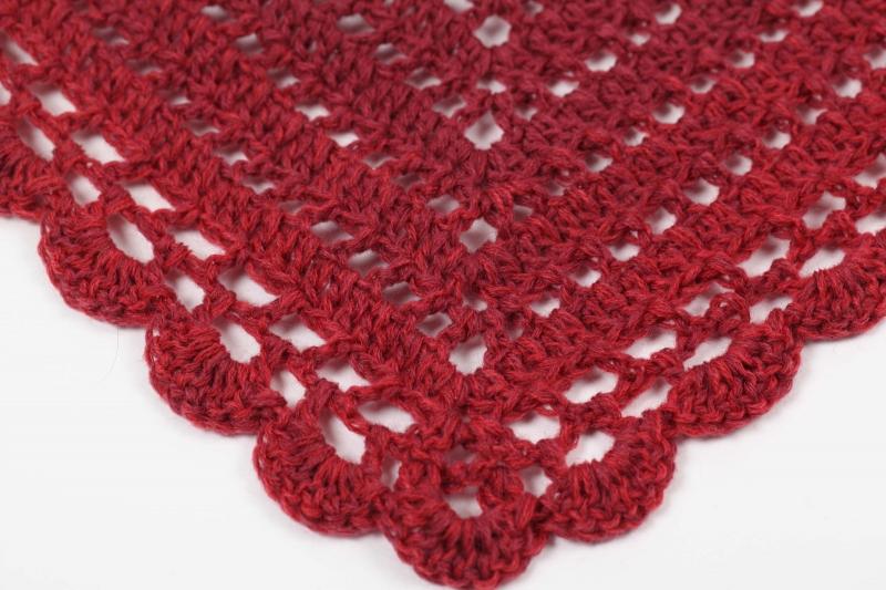 Kleinesbild - XL Dreieckstuch gehäkelt Schultertuch, Tuch,  leicht und wärmend aus Farbverlaufsgarn in rot-Tönen