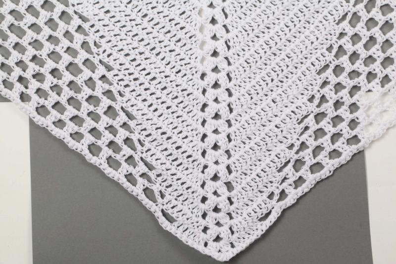 Kleinesbild - XL Dreieckstuch gehäkeltes Schultertuch, Tuch, Stola luftig leicht, Baumwollmischung