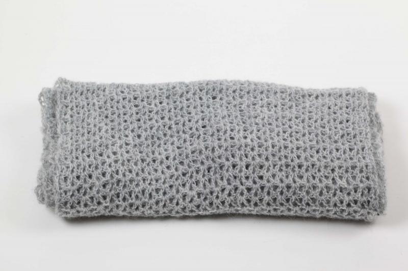 Kleinesbild - XL Stola gehäkelt federleicht: Wolle mit Mohair-Anteil Schultertuch, Häkelschal, Schal,