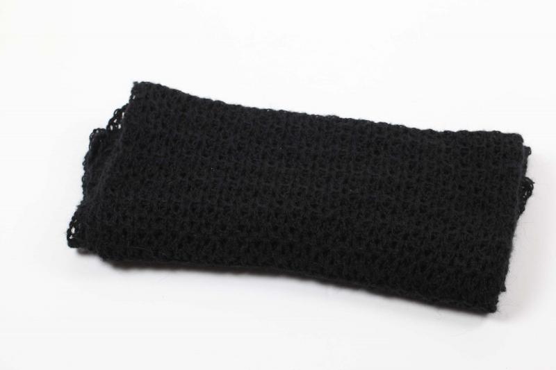 Kleinesbild - XL Stola gehäkelt federleicht: Wolle mit Mohair-Anteil Schultertuch, Häkelschal in schwarz