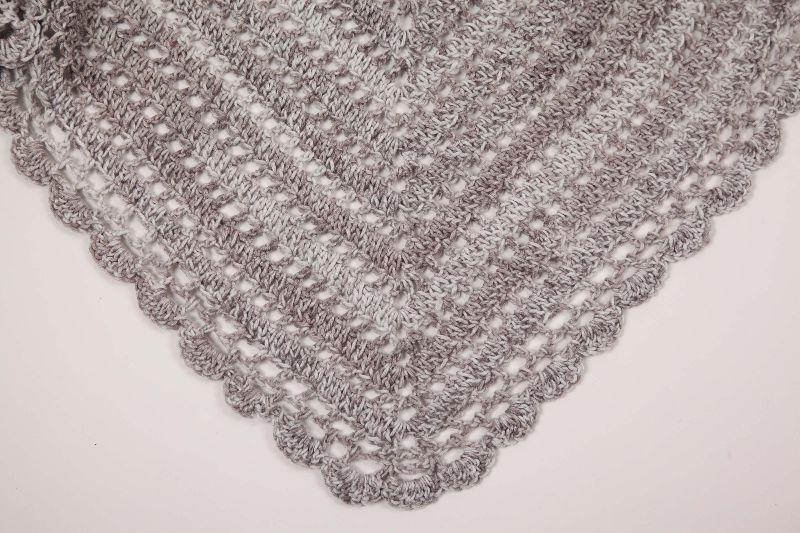 Kleinesbild - XL Dreieckstuch gehäkeltes Schultertuch, Tuch, Stola luftig leicht,  alle Jahreszeiten