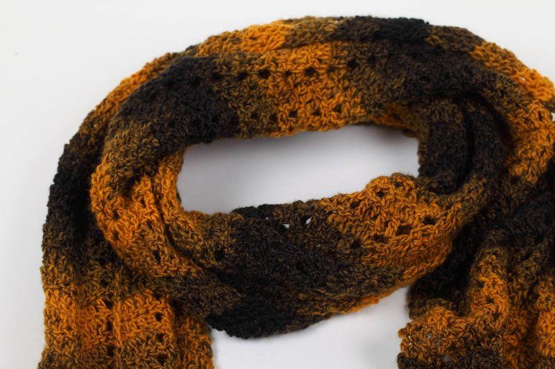Kleinesbild - XL 2 Meter-Schal gehäkelt weich und kuschelig im Winter - schöne Herbstfarben