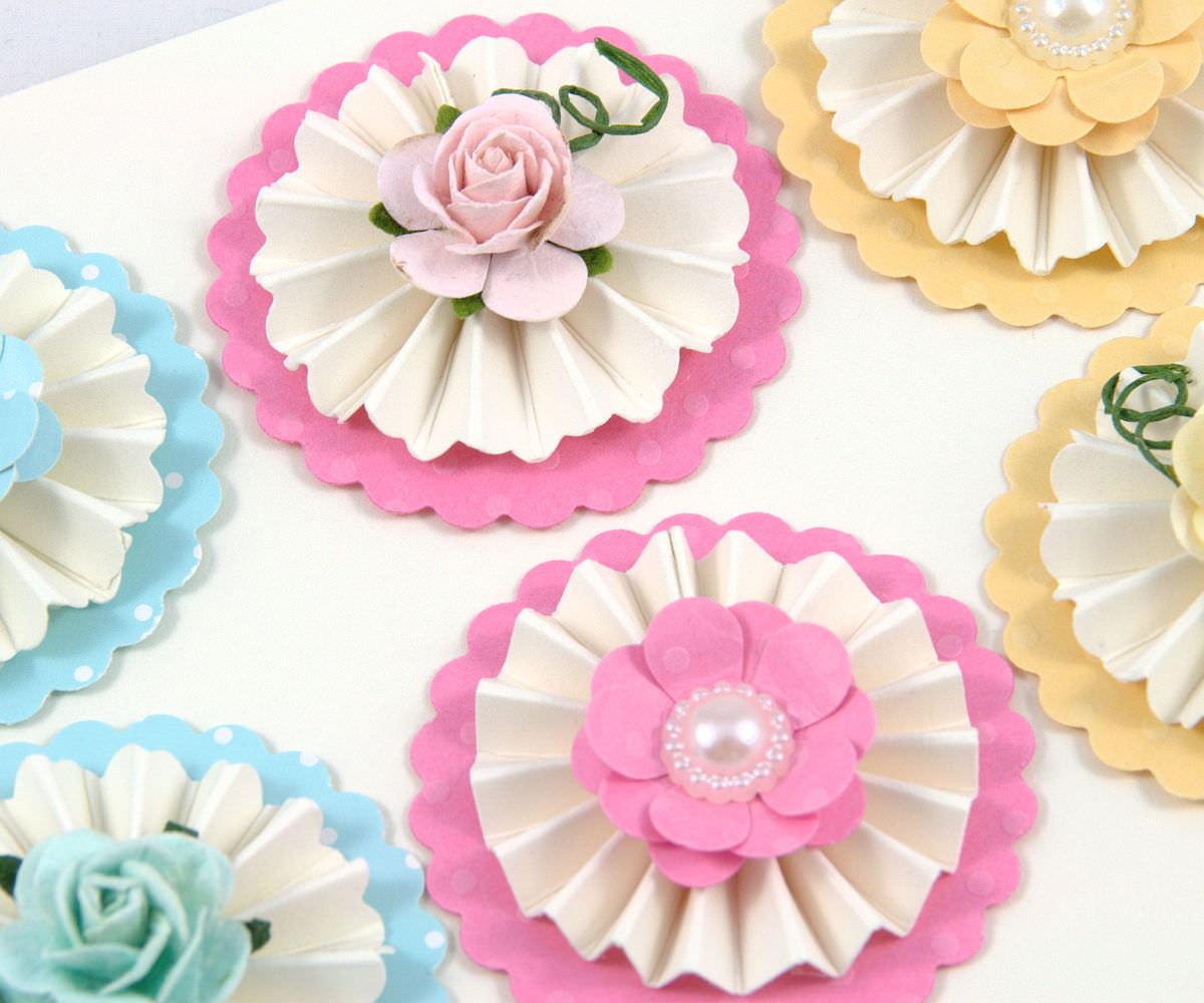 - 6 Maulbeere Papierrosen und Stock Papierblumen Mix - 6 Maulbeere Papierrosen und Stock Papierblumen Mix