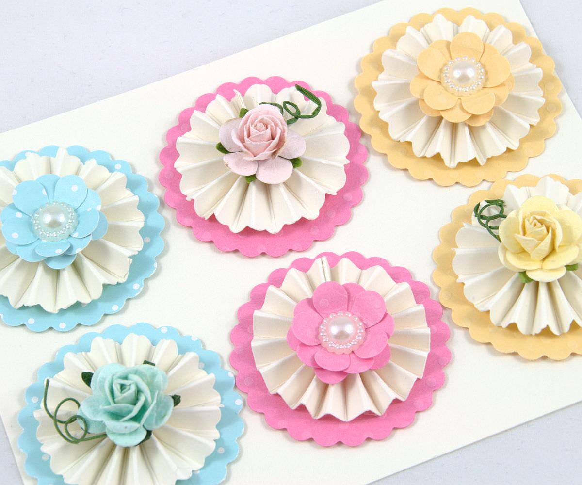Kleinesbild - 6 Maulbeere Papierrosen und Stock Papierblumen Mix