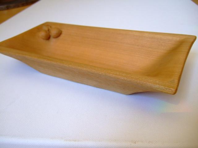 Kleinesbild - Holzschale, Kirschbaumholz mit Kirschendeko, rechteckig, geschliffen, 23x11,5x5 cm