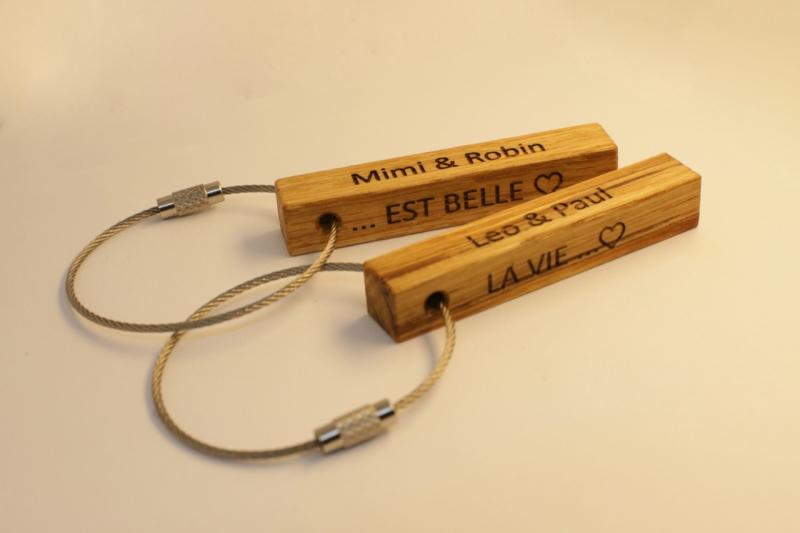 Kleinesbild - Schlüsselanhänger aus Holz    Eichen   2-Seitiger Wunschbeschriftung zum Geburtstag, als Gastgeschenk oder zu Weihnachten (Kopie id: 100149953)