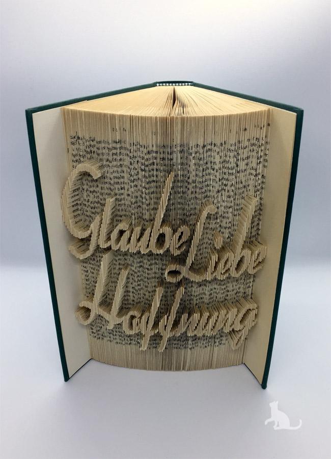 - gefaltetes Buch mit Schrift ♥ Glaube Liebe Hoffnung ♥ mit grünem Einband und Dekosteinen verziert kaufen  - gefaltetes Buch mit Schrift ♥ Glaube Liebe Hoffnung ♥ mit grünem Einband und Dekosteinen verziert kaufen