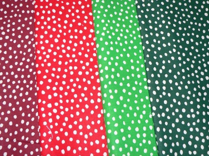 Kleinesbild - Crazy Dots in der Weihnachtsfarbe hellgrün