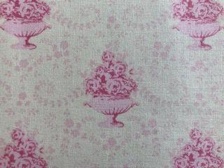 Kleinesbild - Tilda Stoff,  Blumenschale auf weißem Grund
