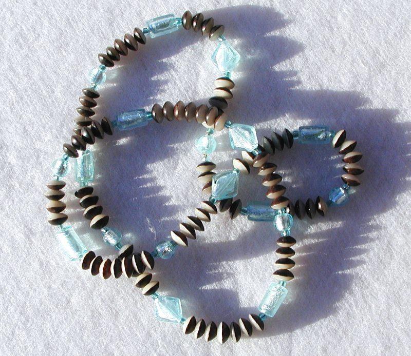 Kleinesbild - lange Kette - Buri-Samen und Silberfolie-Perlen aqua braun beige endlos Unikat