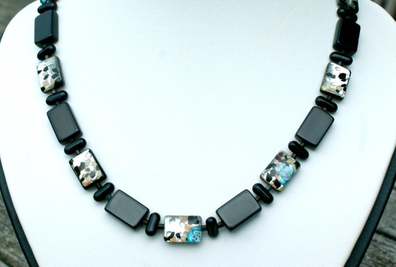 Kleinesbild - Halskette schwarz mit Silber-Bunt Rechtecke Glas millefiori Magnetverschluss Unikat
