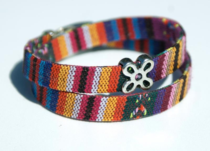 - Wickelarmband ETHNO bunt Blume Textil Zamak handgemacht - Wickelarmband ETHNO bunt Blume Textil Zamak handgemacht