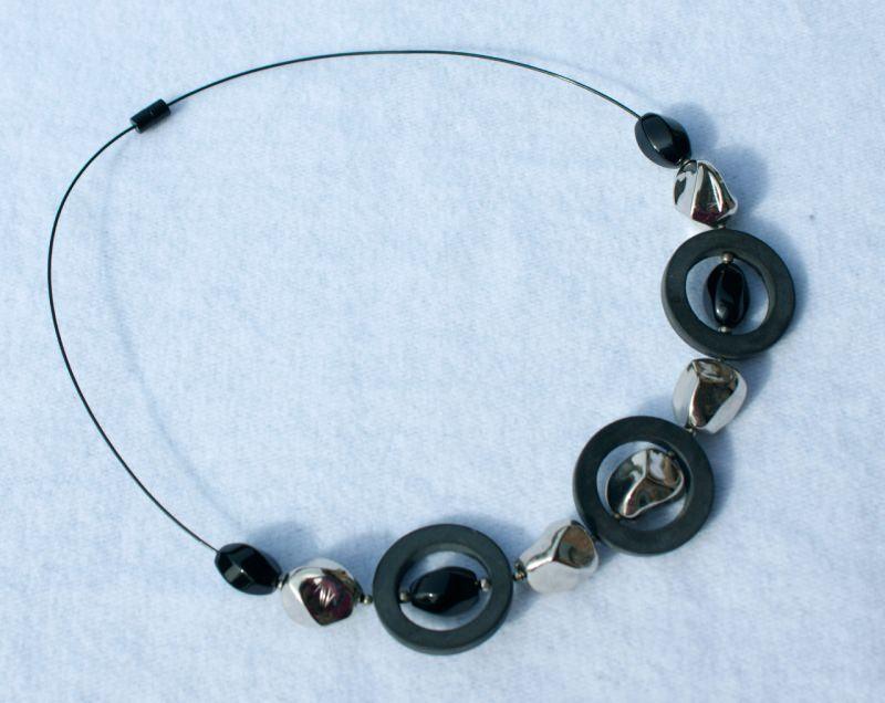 Kleinesbild - Halsreif SCHWARZ - SILBER Onyx Unikat Ringe Nuggets glänzend matt extravagant