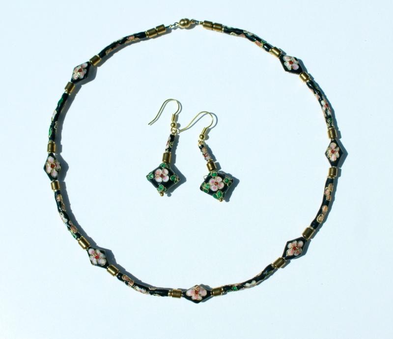 Kleinesbild - Halskette NOSTALGIE kurz Cloisonne schwarz gold rosa Blüten Hämatit zierlich romantisch vintage Set Einzelstücke