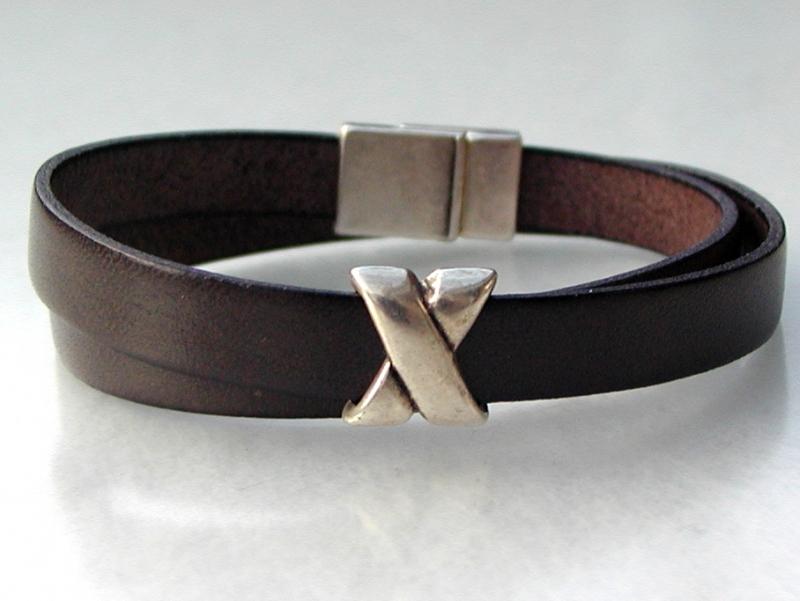 - schlichtes Wickelarmband für Männer Leder braun Kreuz lässig  - schlichtes Wickelarmband für Männer Leder braun Kreuz lässig