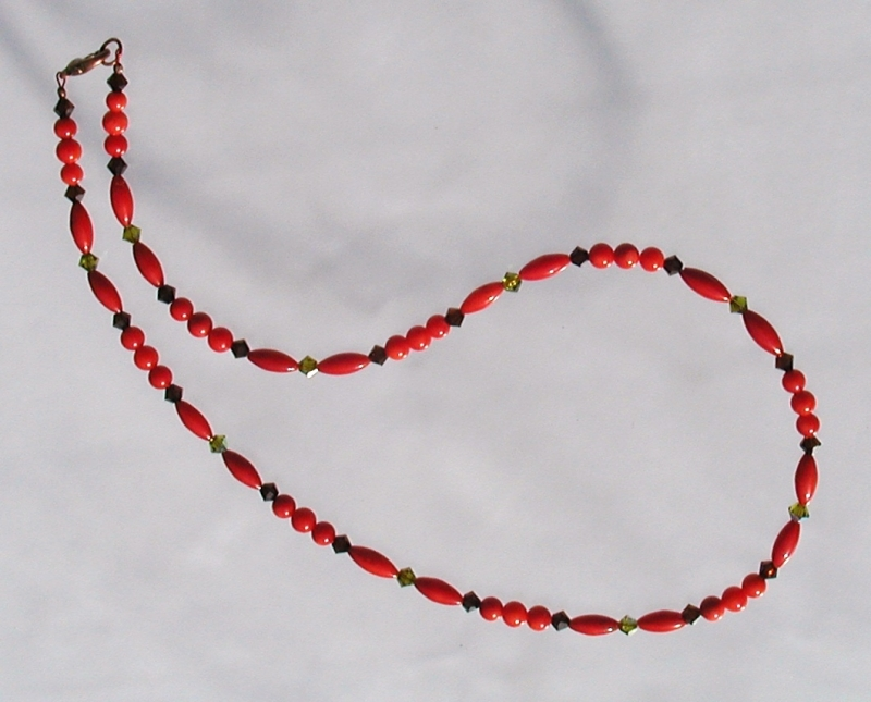 Kleinesbild - ganz zarte Halskette ROTE KORALLE  Swarovskisteine