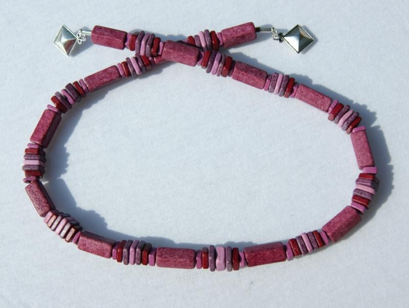 Kleinesbild - Halskette BEERIG Keramik pink fuchsia rosa lila Lederband Magnetverschluss