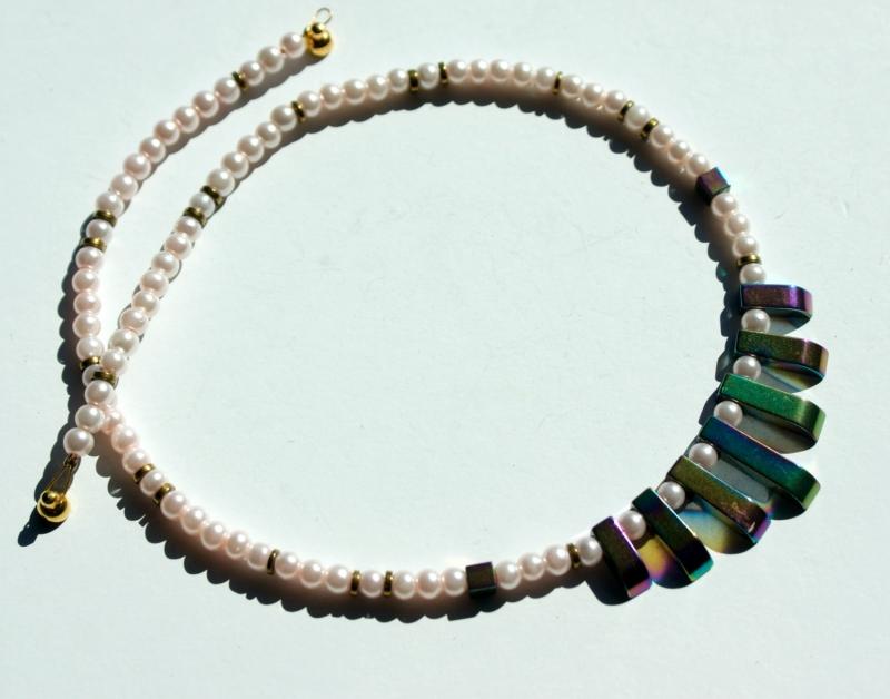 Kleinesbild - Halskette KLEIN aber FEIN Hämatit Glaswachsperlen bunter Glanz