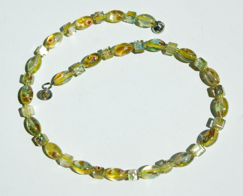 - kurze Halskette GELB Millefiori-Perlen silbrig verspielt - kurze Halskette GELB Millefiori-Perlen silbrig verspielt