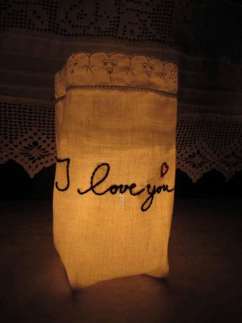 Kleinesbild - Windlicht aus Stoff   - Hochzeitsdekoration - Hochzeit -Tischdeko - Liebeserklärung - Muttertag - Muttertagsgeschenk  -Lichterbeutel  - Vasenhusse  -  Geschenkesackerl - handgemac