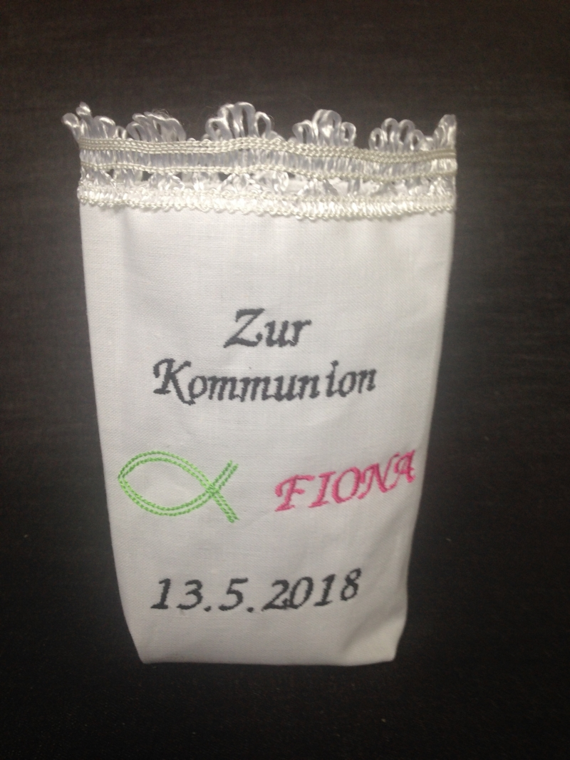 Kleinesbild - Kommunion - Konfirmation - Kommunionsdeko - Taufe - Hochzeit - Deko - Stoffwindlicht bestickt - Tischdekoration - Vasenhusse - Windlicht -Geschenkbeutel -  Lichterbeutel - nach Wun