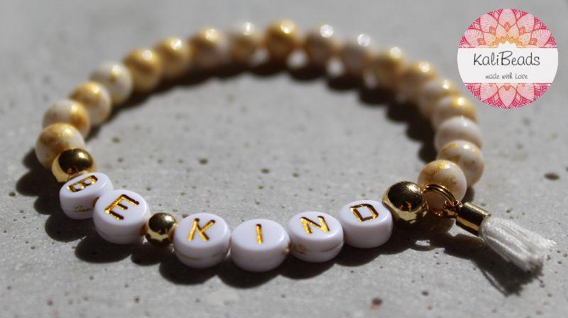 """- Armband """"Be-kind"""" aus Buchstabenperlen - Armband """"Be-kind"""" aus Buchstabenperlen"""