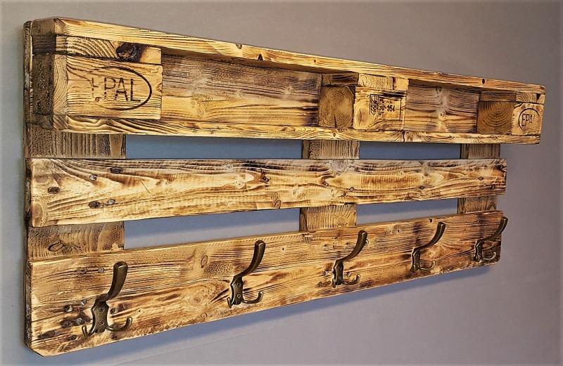 Garderobe Holz Aus Europalette Mit Aufhangung Incl 5 Kleiderhaken Palettengarderobe Wandregal Ablage Vintage Jackenstander Palettenmobel